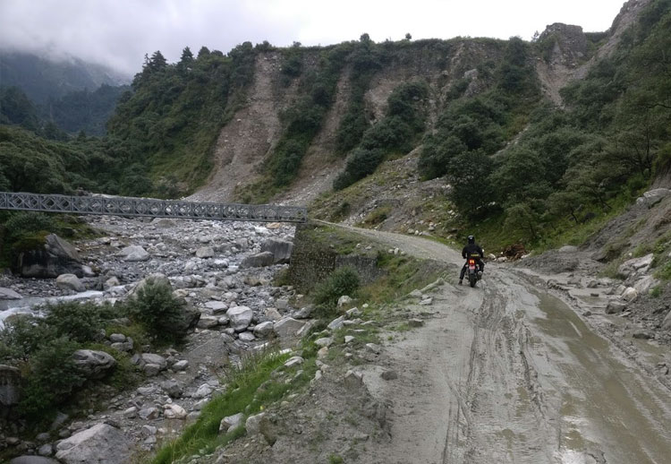 Riding to muktinath, nepal