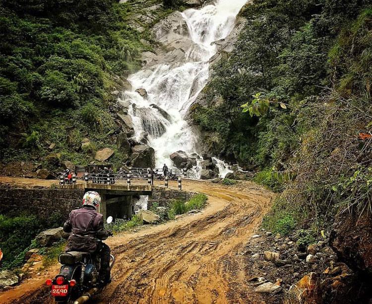 rupse falls (300m) in Mustang