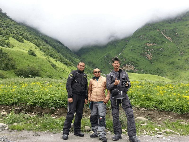 biking trip with thai actor Weir Sukollawat Kanarot
