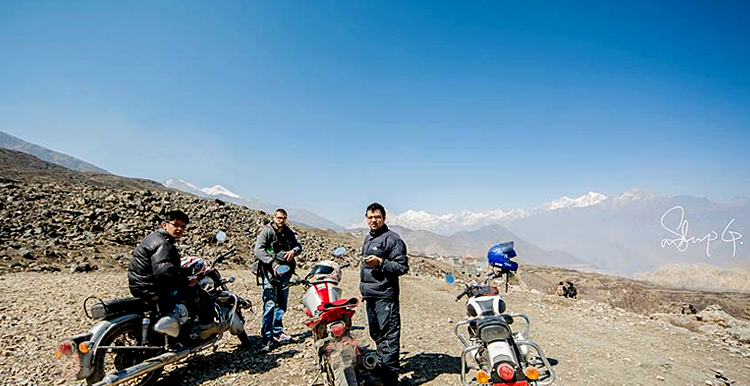 motorbike tour to uppermustang