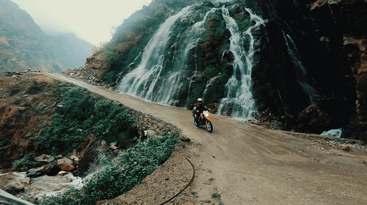 motorcycle ride to manang