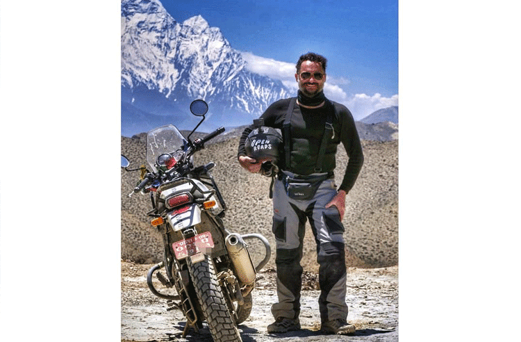 travel to uppermustang with motorbike