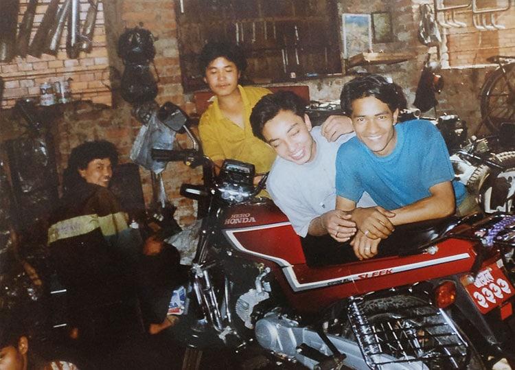 Buddha with team of citymotorbike01