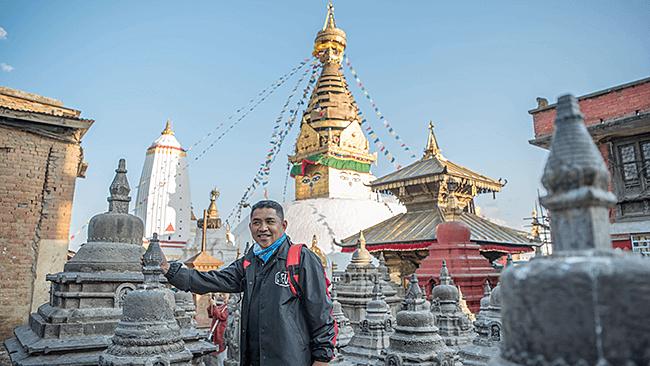 ride to swoyambhunath temple kathmandu